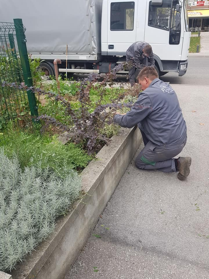 Uređenje i postavljanje vanjskih i unutarnjih žardinjera s biljem, te uređenje vanjskih terasa kafića, restorana