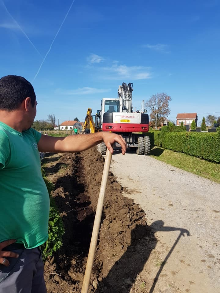 Rekonstrukcija žive ograde na dijelu groblja u Dubravi