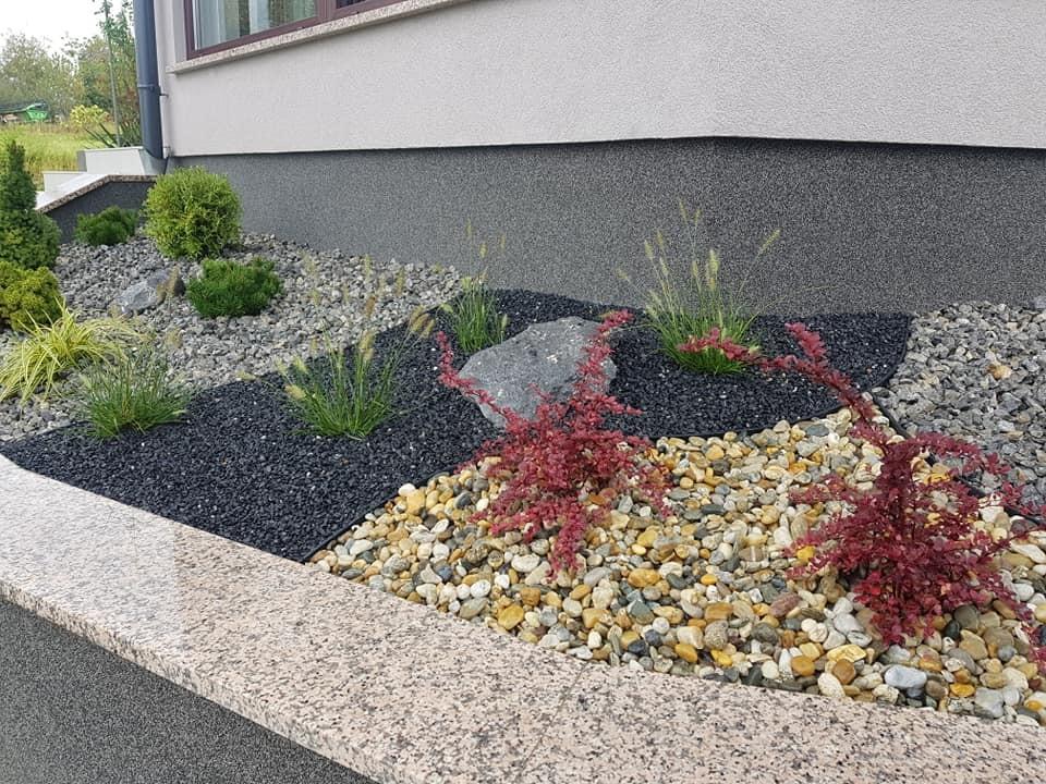 Sadnja biljaka i hortikulturno uređenje padine uz zimski vrt