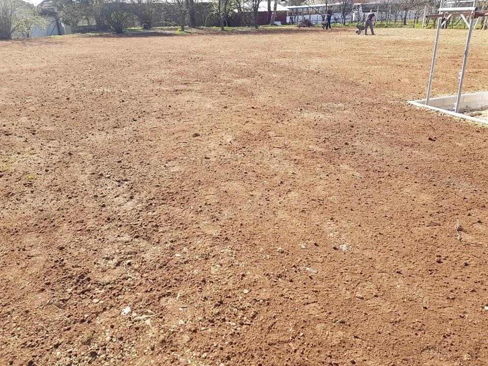 Novi travnjak u Dubravi