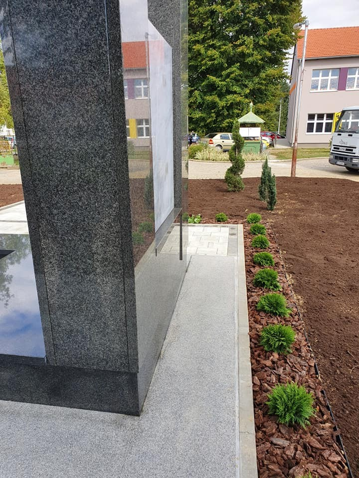 Od 3D idejnog projekta do realizacije - okoliš spomenika