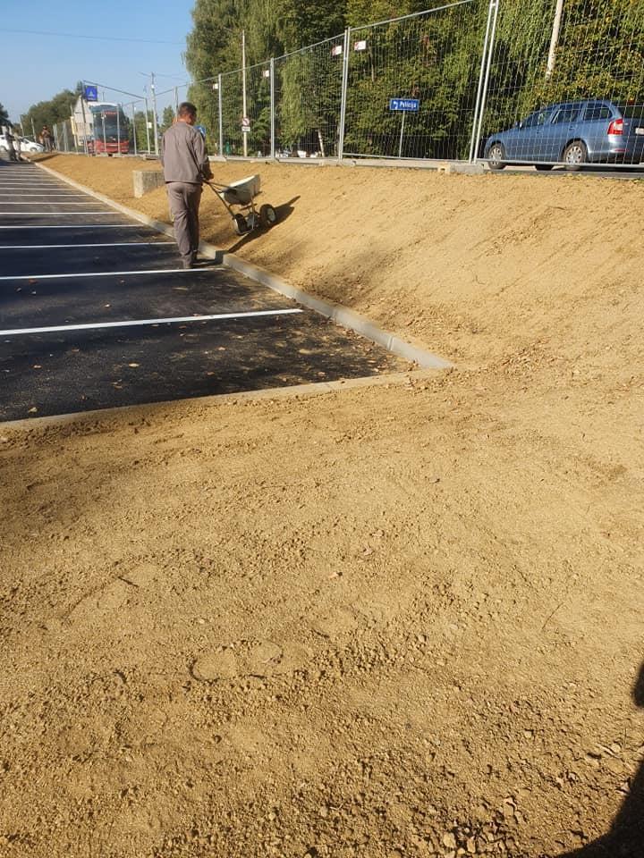 Uređenje travnatih površina oko novog parkirališta