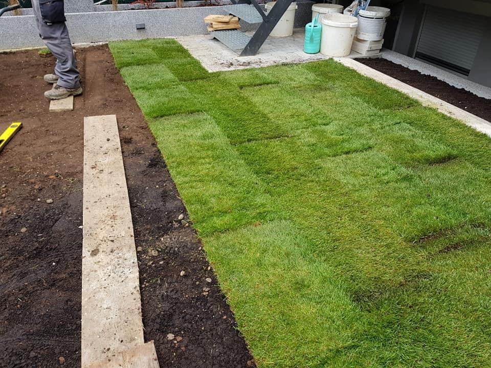 Uklanjanje starog travnjaka