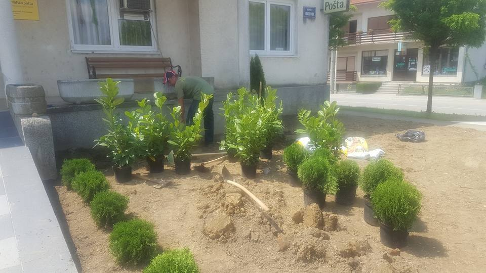 Završena rekonstrukcija okoliša općinske zgrade u Dubravi