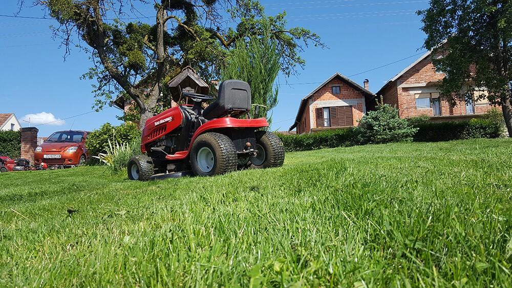 Redovno održavanje travnjaka