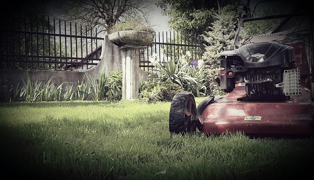 Motorna košnja travnjaka